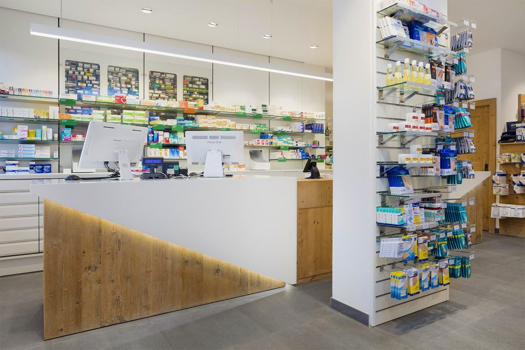 Farmacia Apoteca Corvara - bancone